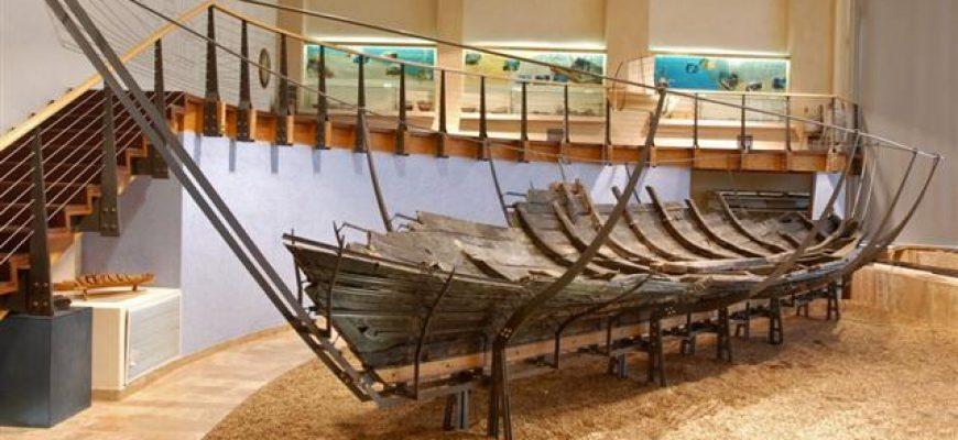 רפליקה של הסירה ממעגן מיכאל